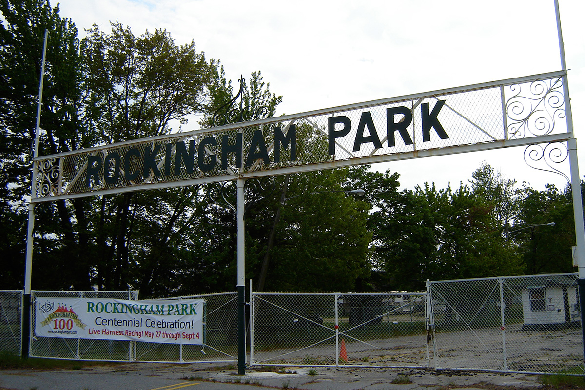 Rockingham Park gate in 2006